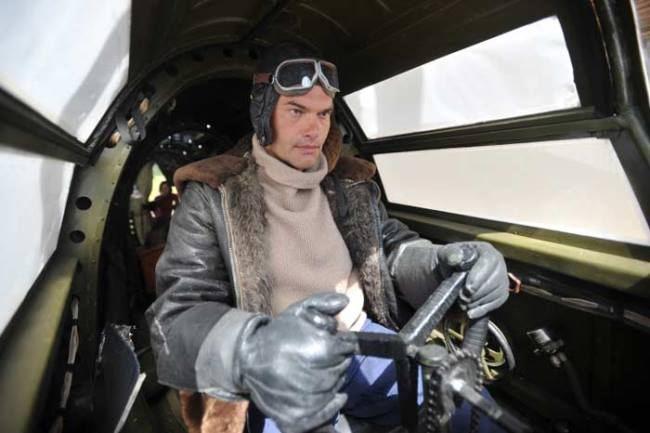 Evgeny Dyatlov in the role of Valery Chkalov