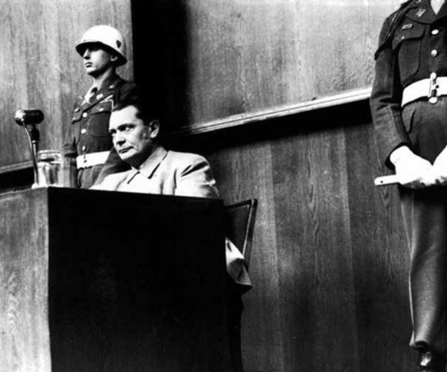 Göring gives testimony at the Nuremberg trials