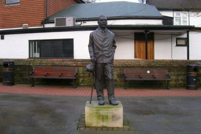 Monument to Arthur Conan Doyle