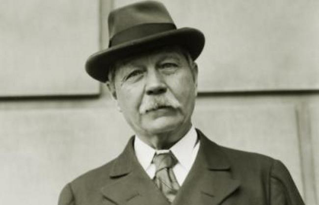 Prominent Arthur Conan Doyle