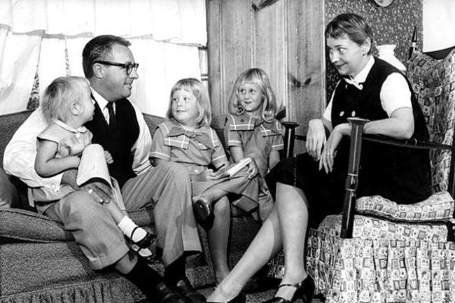 Ray Bradbury with family