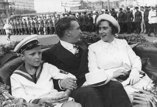 Valery Chkalov with his wife and son