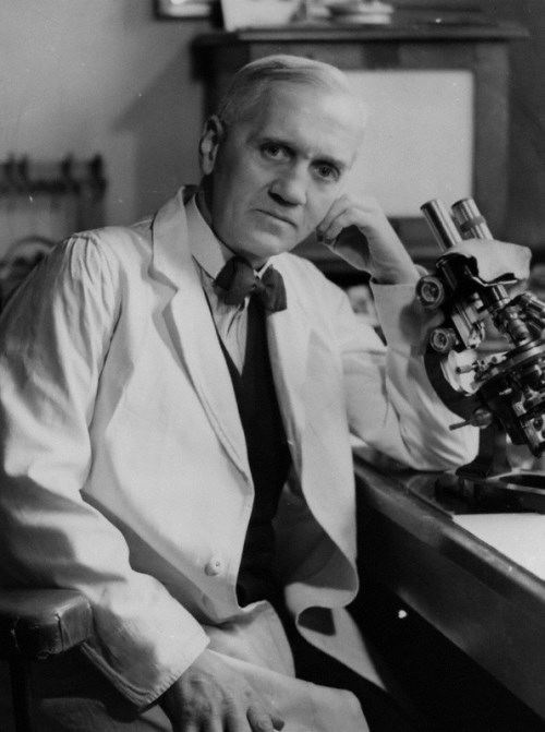 Alexander Fleming - Scottish bacteriologist