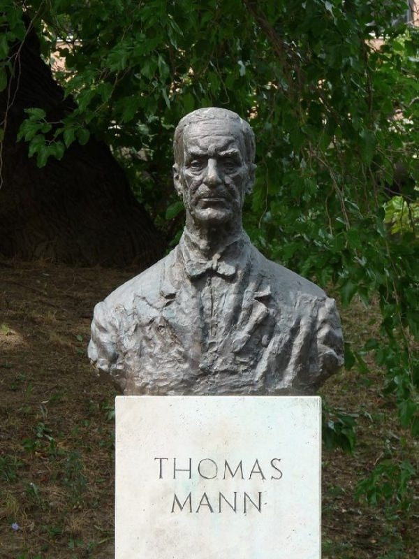 Bust of Thomas Mann