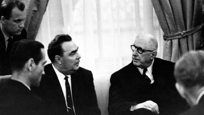 Leonid Brezhnev and Charles de Gaulle