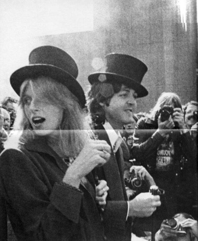 Awesome Linda and Paul McCartney