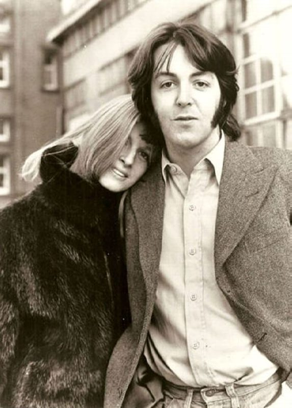 Known Linda and Paul McCartney