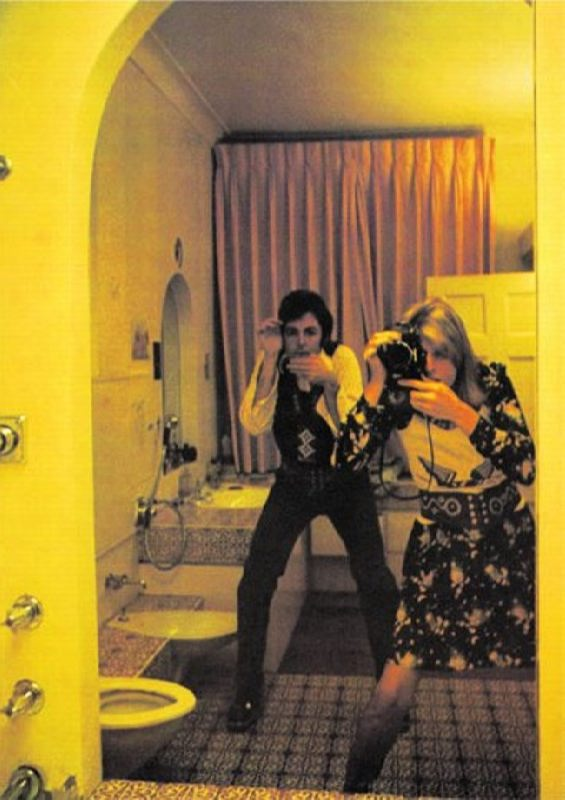 Linda and Paul (bathroom, London)
