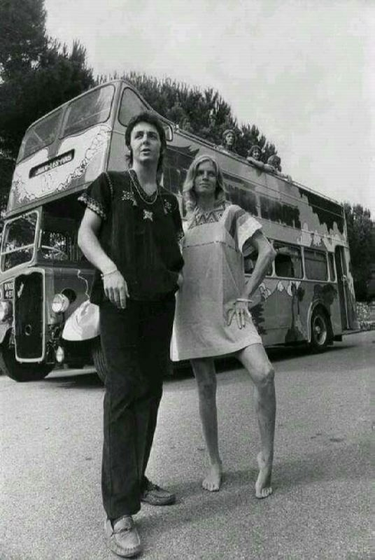 Talented Linda and Paul McCartney