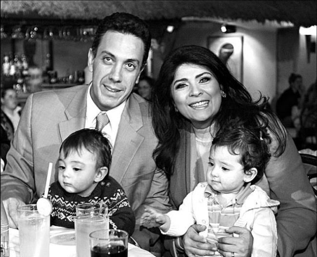 Omar Fayad, Victoria and their children