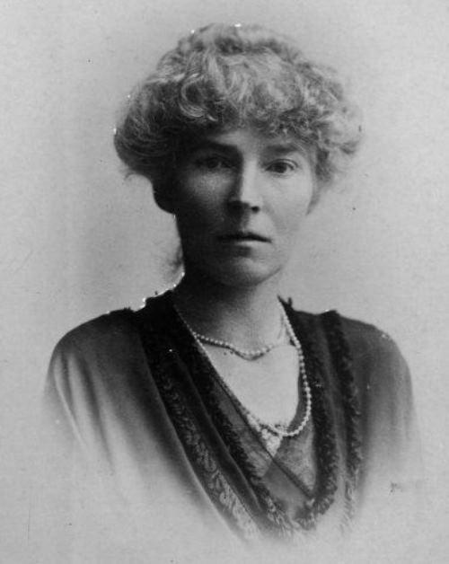 Gertrude Bell - Desert queen