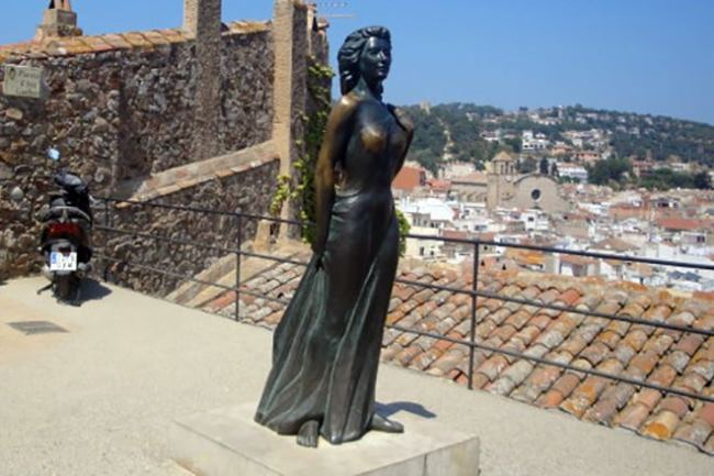 Statue of Ava Gardner in Tossa de Mar